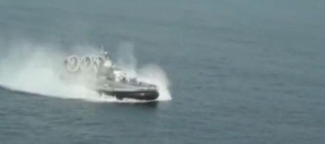 Hạm đội Nam Hải, Hải quân Trung Quốc tiến hành tập trận đổ bộ trên Biển Đông. Ảnh: Sina