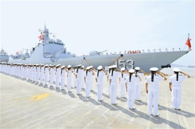 Các ảnh còn lại: Sáng ngày 20/6/2016, biên đội 7 tàu chiến của Mỹ và Trung Quốc tiến hành tập luyện cơ động chiến thuật ở Tây Thái Bình Dương trước khi tham gia tập trận Vành đai Thái Bình Dương-2016.