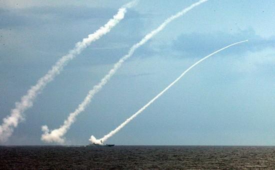 Trung Quốc ra sức quân sự hóa phi pháp trên Biển Đông. Ảnh: Stripes.com