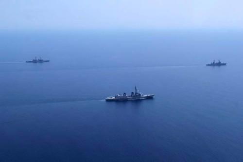 Hạm đội liên hợp Nhật Bản-Philippines tiến hành tập trận trên Biển Đông. Ảnh: Sina Trung Quốc.