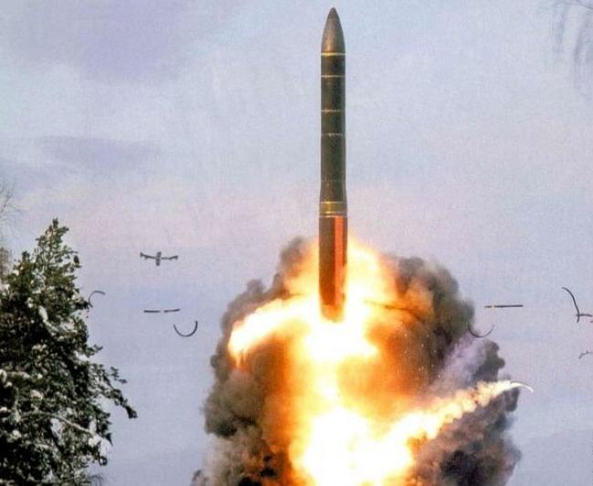 Tên lửa đạn đạo xuyên lục địa Topol-M Nga. Ảnh: Tin tức Tham khảo, Trung Quốc.