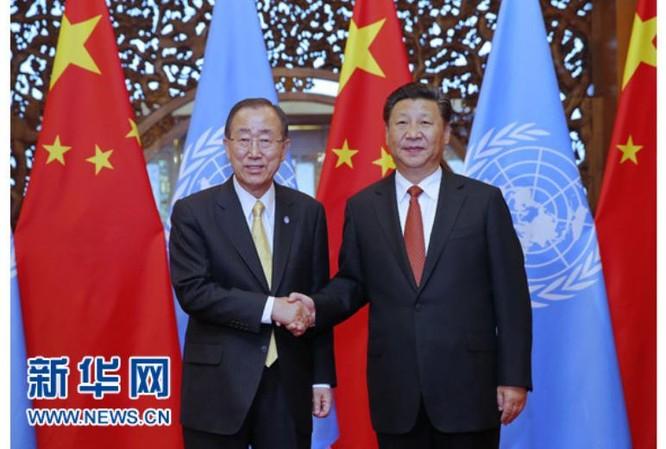 Ngày 7/7/2016, Tổng thư ký Liên hợp quốc Ban Ki-moon gặp Chủ tịch Trung Quốc Tập Cận Bình. Ảnh: Tân Hoa xã.