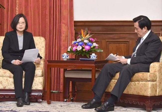 Tân Tổng thống Đài Loan Thái Anh Văn và người tiền nhiệm Mã Anh Cửu. Ảnh: tw.on.cc