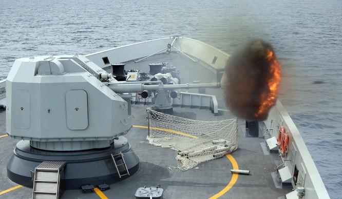 Lực lượng tàu chiến và máy bay của 3 hạm đội lớn của Hải quân Trung Quốc đang tiến hành một cuộc tập trận bắn đạn thật phi pháp ở gần quần đảo Hoàng Sa.
