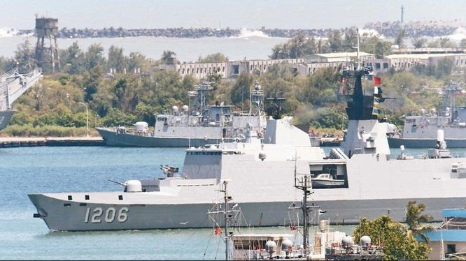 Tàu tuần phòng Địch Hóa lớp Khải Định, Hải quân Đài Loan rời khỏi Đài Loan vào ngày 13/7, sau hai ngày có thể đến đảo Ba Bình (Việt Nam). Hành động triển khai tàu chiến này của Đài Loan là bất hợp pháp. Ảnh: UDN Đài Loan.
