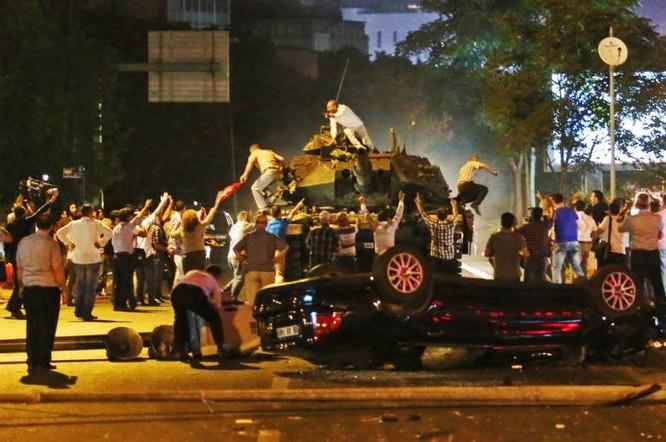 Báo Anh chỉ ra nguyên nhân đảo chính quân sự lật đổ Tổng thống Thổ Nhĩ Kỳ Erdogan ảnh 1