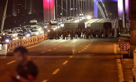 Đảo chính bất thành ở Thổ Nhĩ Kỳ: Số thương vong đã lên hơn 60 người