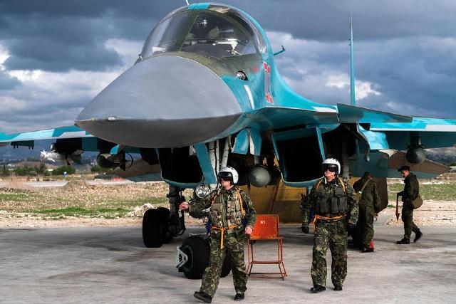 Không quân Nga ở căn cứ Hmeimim, Syria.