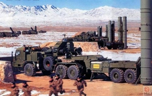 ệ thống tên lửa phòng không S-300PMU2 Nga bán cho Trung Quốc.