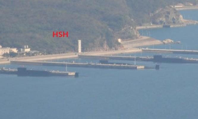 4 tàu ngầm hạt nhân chiến lược Type 094 Trung Quốc xuất hiện trên các trang mạng Trung Quốc vào năm 2014. Ảnh: báo Phượng Hoàng.
