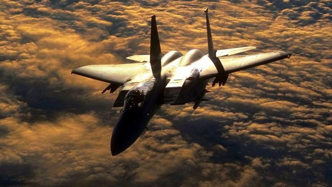 Máy bay tiêm kích 15 Eagle