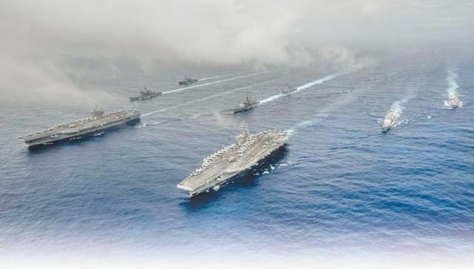 Hai tàu sân bay Mỹ tuần tra Biển Đông. Ảnh: Chinatimes, Đài Loan.