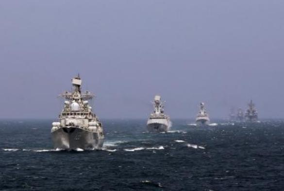 Hải quân Trung Quốc và Nga tiến hành tập trận chung ở biển Hoa Đông vào năm 2014. Ảnh: Thời báo Tự do, Đài Loan.