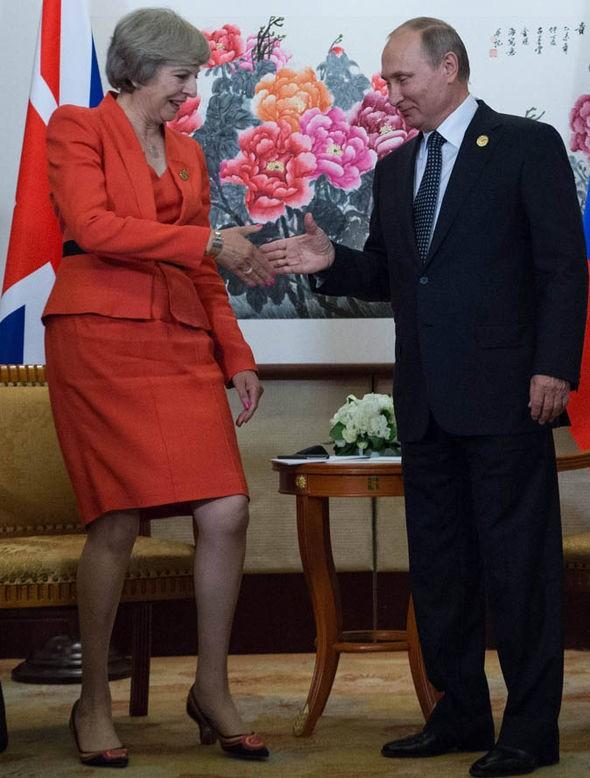 Thủ tướng Anh Theresa May muốn đối thoại thẳng thắn với Nga ảnh 1