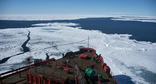 Cuộc chiến cạnh tranh ở Bắc Cực đã bắt đầu.