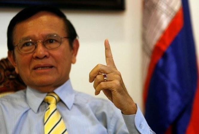 Ông Kem Sokha - người đang bị chính quyền đòi bắt - Ảnh: Reuters