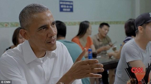 Chương trình có cảnh Tổng thống Obama ăn bún chả ở Hà Nội lên sóng CNN ảnh 3