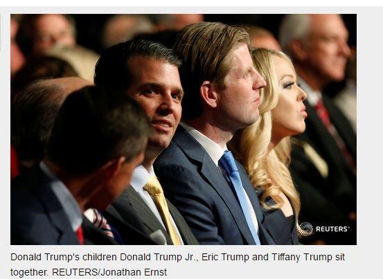 Gia đình ông Donald Trump tại cuộc tranh luận vừa kết thúc (ảnh Reuters).