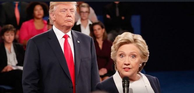 Bà Hillary Clinton cũng đáp trả không khoan nhượng.