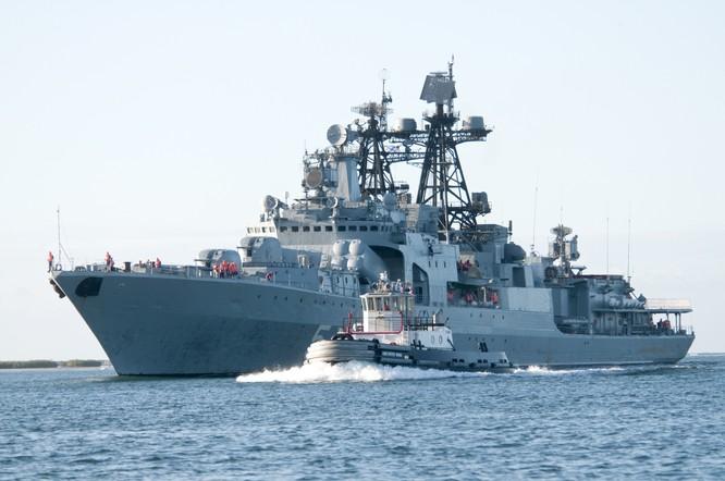 Tàu tuần dương của Hải quân Nga.