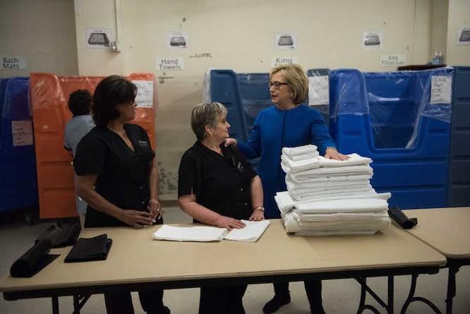 """Bà Hillary Clinton tự tin vào chiến thắng: """"Việc chúng ta làm mới chỉ thực sự bắt đầu"""" ảnh 3"""