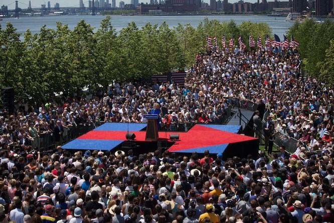 """Bà Hillary Clinton tự tin vào chiến thắng: """"Việc chúng ta làm mới chỉ thực sự bắt đầu"""" ảnh 1"""