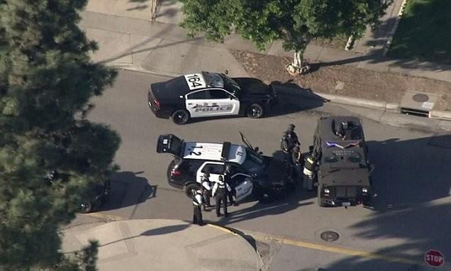 Hiện trường vụ nổ súng ở California