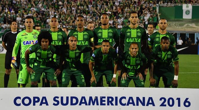 Tuyển Brazil tham dự cúp Copa Sudamericana.