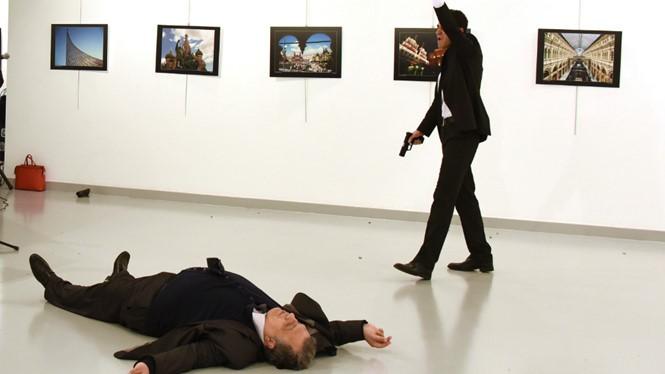 Vụ khủng bố dã man, tàn bạo nhằm vào quan chức ngoại giao Nga.