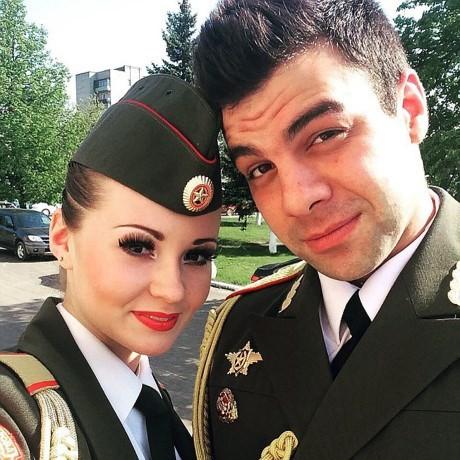 Gilmanova và Mikhail trong bức ảnh mới nhất của hoj. (Nguồn: Twitter)