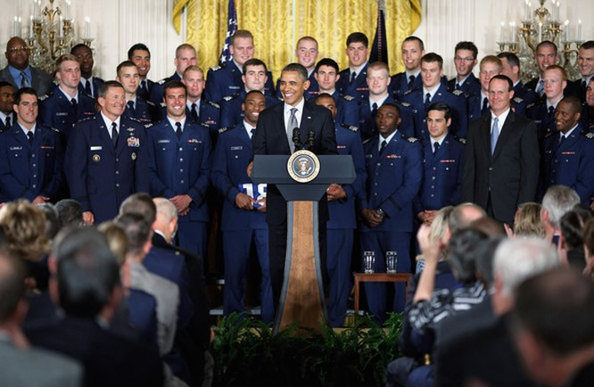Tổng thống Barack Obama: Nắm quyền tổng tư lệnh Mỹ là một đặc ân - VIDEO ảnh 2