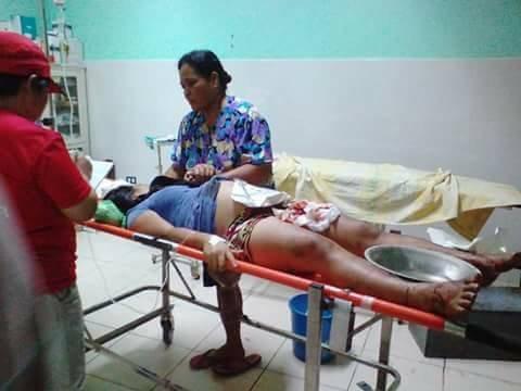 Một số nạn nhân bị thương được đưa đi cấp cứu.