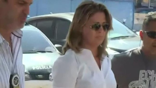 Bà Françoise de Sousa Oliveira.