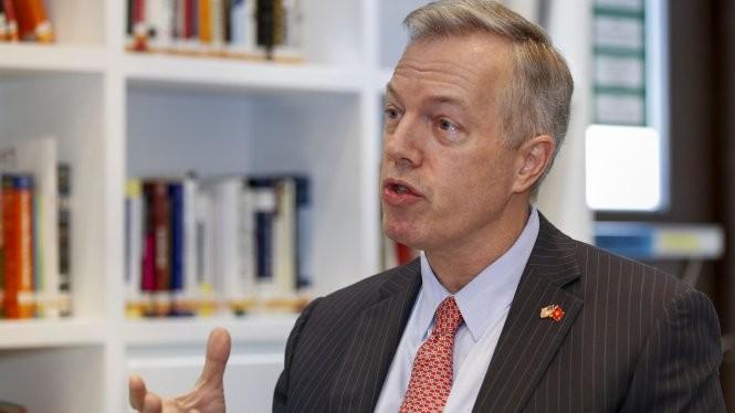 Đại sứ Ted Osius trả lời phỏng vấn Tuổi Trẻ ngày 6-1 - Ảnh: Việt Dũng
