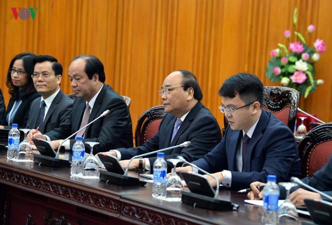 Thủ tướng Nguyễn Xuân Phúc đánh giá cao và cảm ơn những nỗ lực và đóng góp của Ngoại trưởng John Kerry trong quá trình bình thường hóa và thúc đẩy quan hệ Việt Nam - Hoa Kỳ nhiều thập kỷ qua.