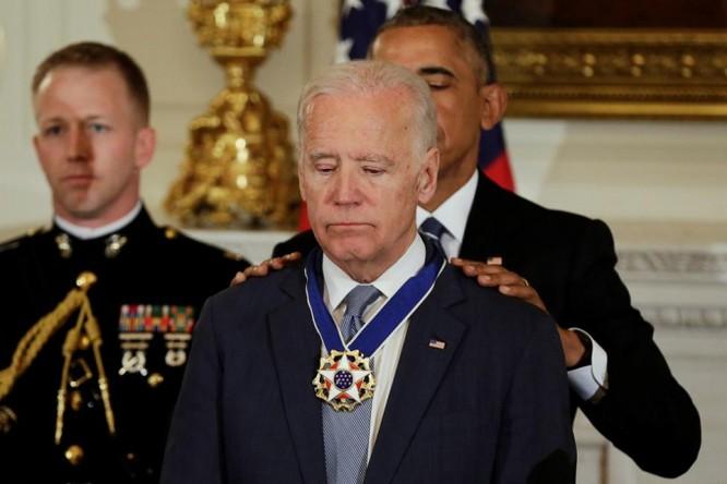 Phó Tổng thống Joe Biden được Tổng thống Obama trao tặng Huân chương