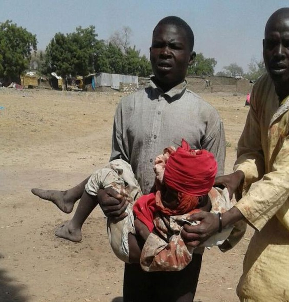 Tin nóng: Máy bay quân sự Nigeria ném bom nhầm vào trại tị nạn, hơn 100 người chết ảnh 1