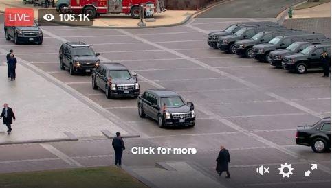 Gần chục chiếc SUV hạng sang, bọc thép chở các nhân vật quan trong của chính quyền mới và cũ.