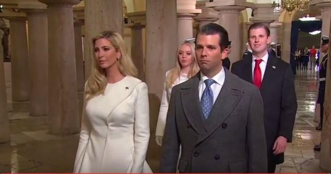 Toàn cảnh lễ tuyên thệ nhậm chức của Tổng thống Mỹ Donald Trump - VIDEO, ẢNH ảnh 56