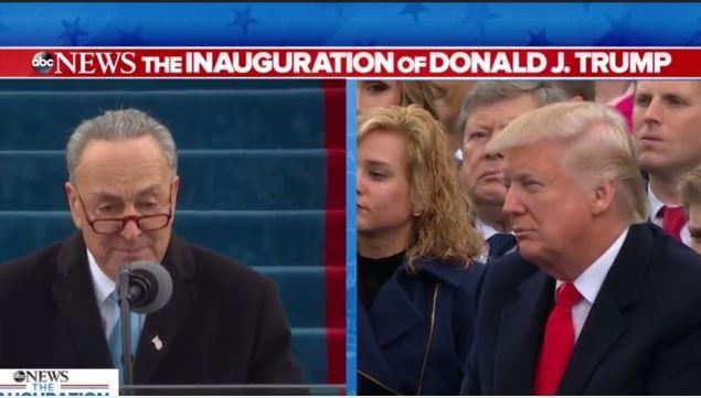 Vợ và các con của ông Trump ngoài lễ đài.