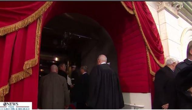 Toàn cảnh lễ tuyên thệ nhậm chức của Tổng thống Mỹ Donald Trump - VIDEO, ẢNH ảnh 104
