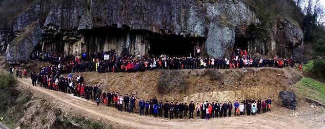 Đại gia đình 500 người, 7 thế hệ ở Trung Quốc phải dùng UAV để chụp ảnh ảnh 3