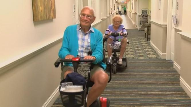 Chuyện tình của cụ ông 100 cụ bà 103 tuổi kết hôn trong viện dưỡng lão ảnh 3