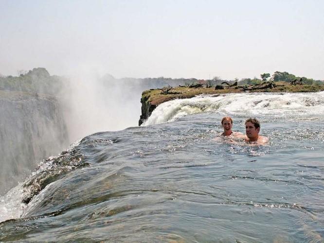 Check in tại 20 địa điểm đẹp lạ thường này để có hành trình đặc biệt thú vị ảnh 16
