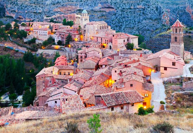 Check in tại 20 địa điểm đẹp lạ thường này để có hành trình đặc biệt thú vị ảnh 26