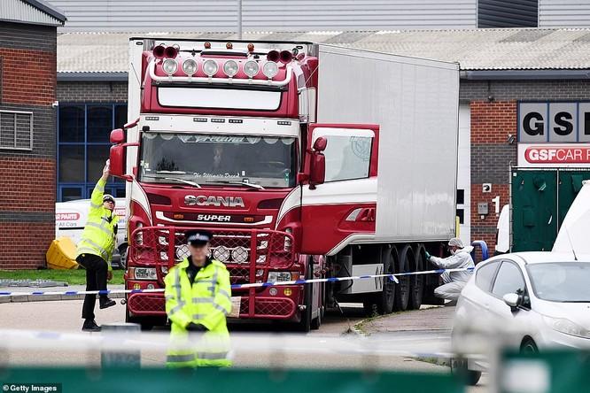 """Vụ 39 người chết ở Anh: Nạn nhân khỏa thân, để lại dấu tay đẫm máu trong """"chiếc quan tài"""" -25 độ C ảnh 2"""