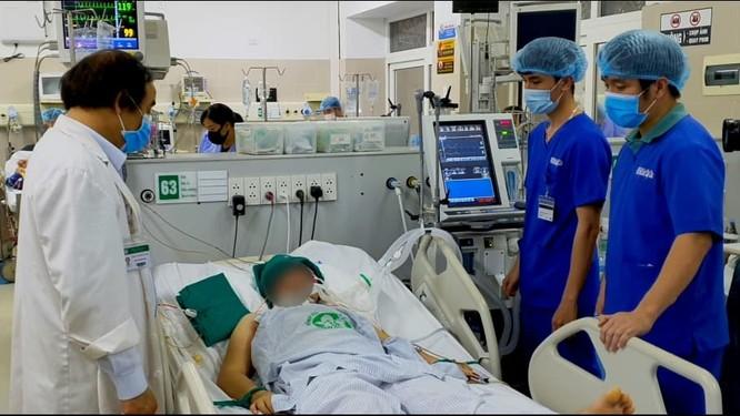 BV Bạch Mai kịp cứu sống nhiều bệnh nhân nguy kịch trước khi có lệnh phong tỏa ảnh 1