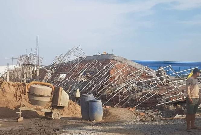 Sập tường đang thi công ở Đồng Nai, 10 người chết, nhiều người bị lấp ảnh 1