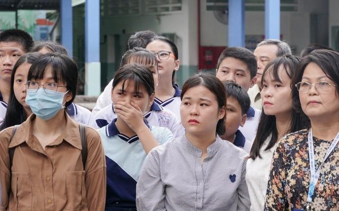 Nín lặng, xót thương tiễn đưa cậu học trò nhỏ trường THCS Bạch Đằng ảnh 6