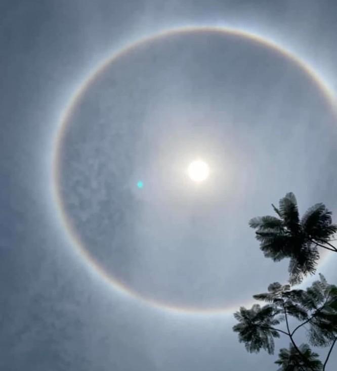 Quầng hào quang xuất hiện tại nhiều vùng trên cả nước: Nguyên nhân vì sao? ảnh 1